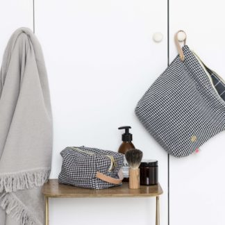 Wash Bags & Cloths